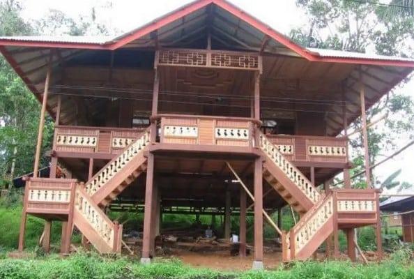 Rumah-Pewaris-&-Bolaang-Mangondow-Adat-Sulawesi-Utara